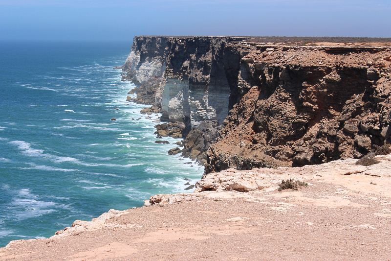 Bunda cliffs and the Southern Ocean