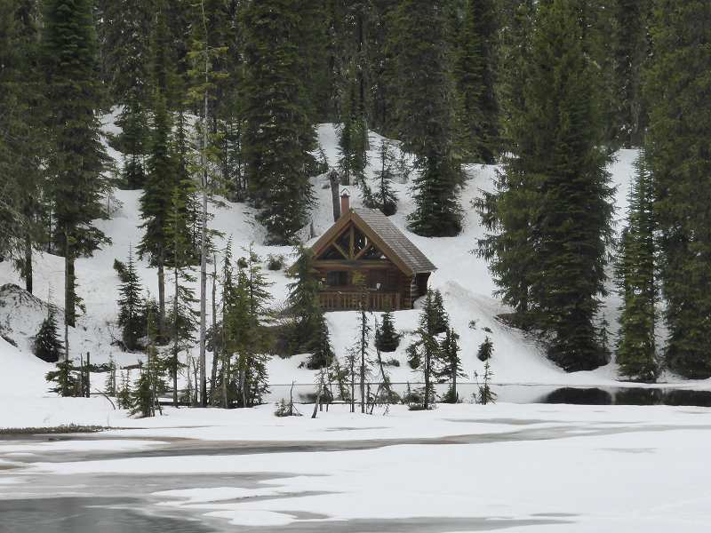 Kootenay pass hut
